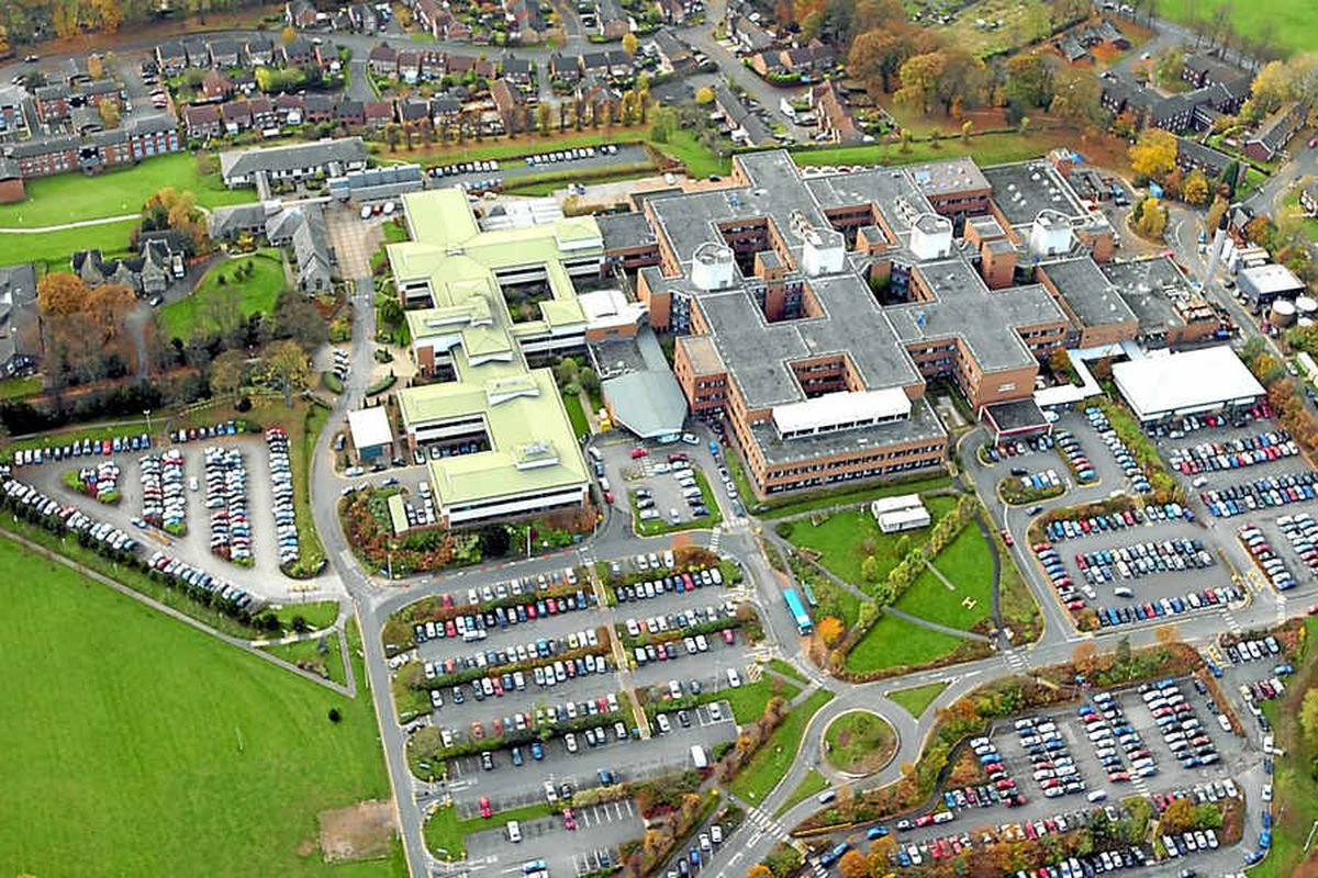 Stafford Hospital's top nurse Helen Moss cleared by regulator