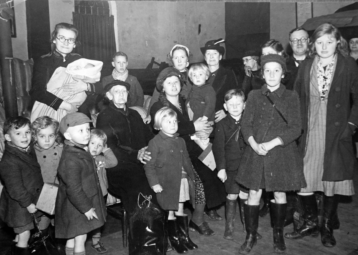 Children evacuees arrive at the Salvation Army headquarters in Broad Street, Bilston, in October 1940