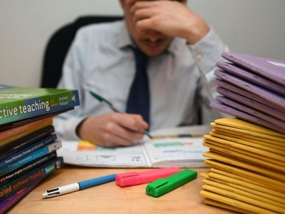Quarter of teachers in England work a 60-hour week – study