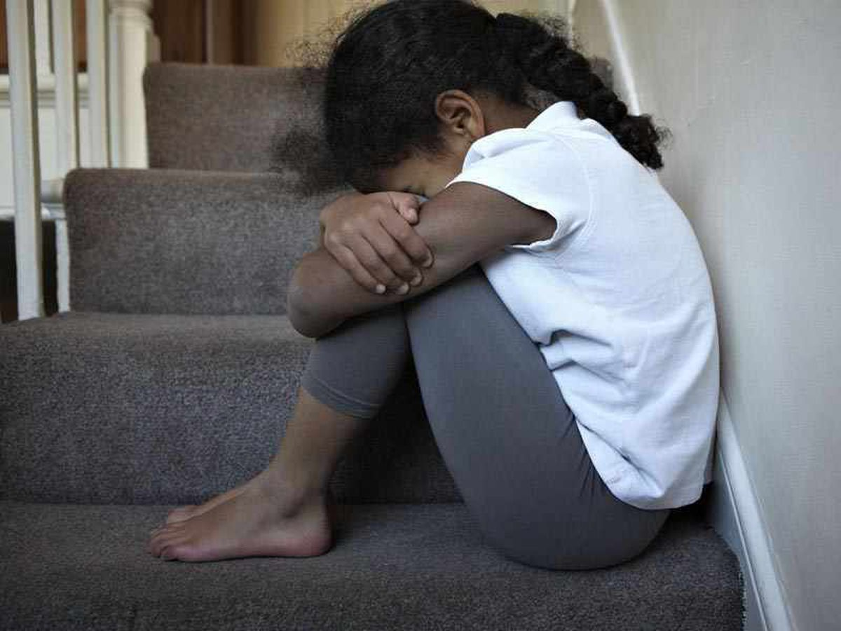 Social worker banned after advising teenager to self-harm