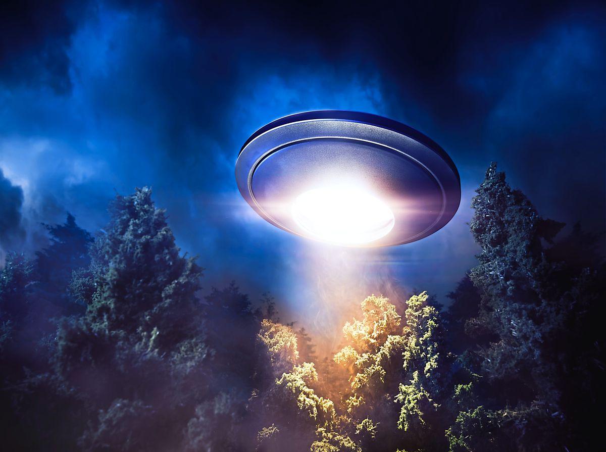 Illustration of a flying saucer
