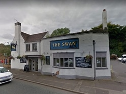 Pub's licence revoked after illegal immigrant found