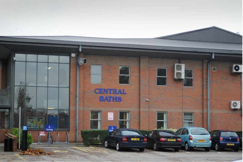 Wolverhampton Central Baths Protesters Hand In Petition Express Star