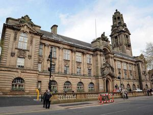 Woman slapped with suspended sentence for faking pothole injury claim