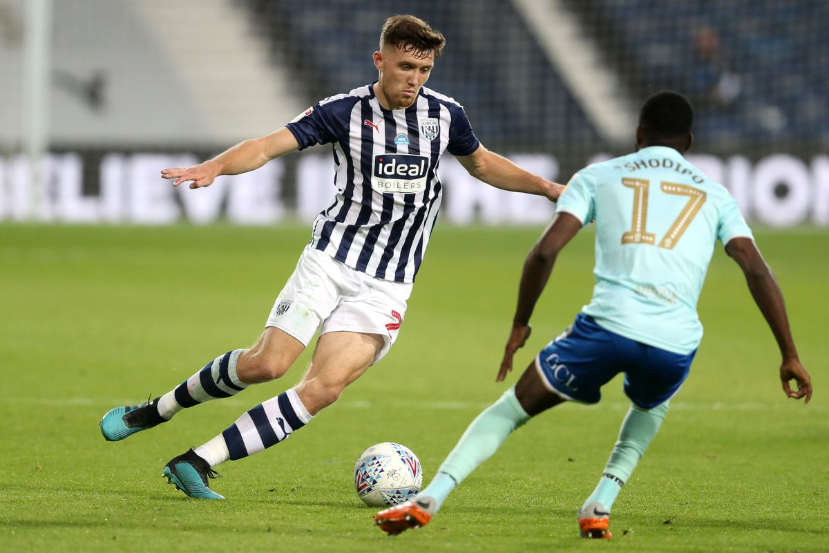 Dara O'Shea of West Bromwich Albion and Olamide Shodipo of Queens Park Rangers. (AMA)