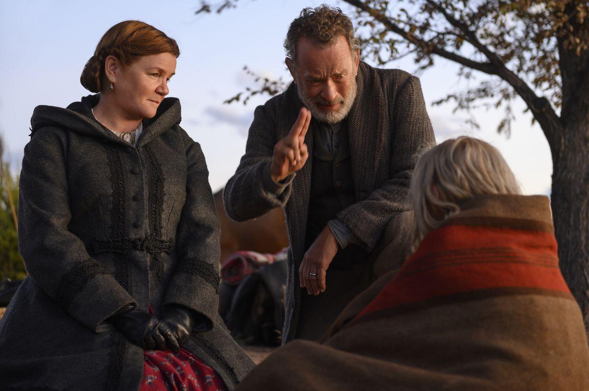 Helena Zengel and Tom Hanks in News of the World, alongside Mare Winningham