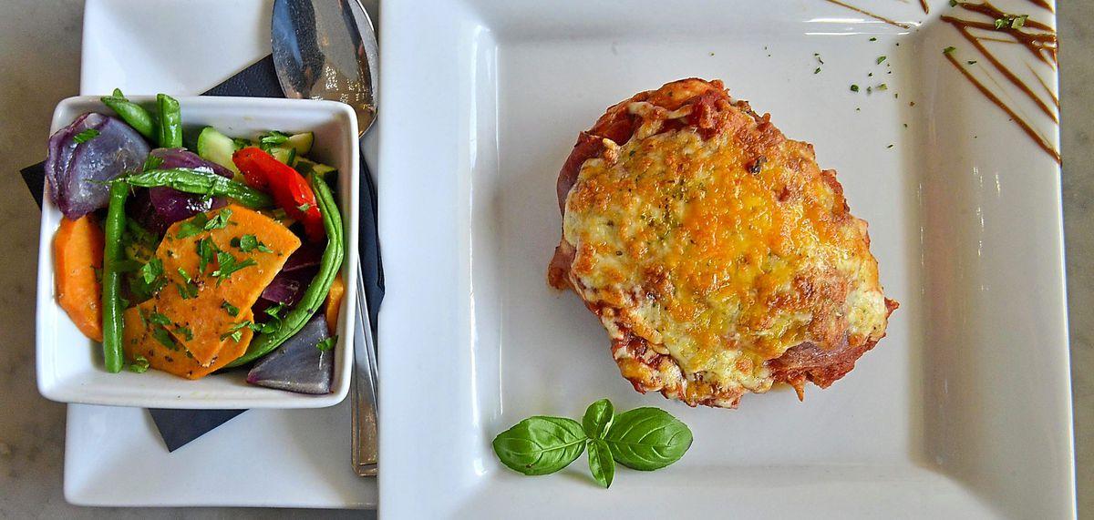 Hamming it up – pollo con prosciutto al forno