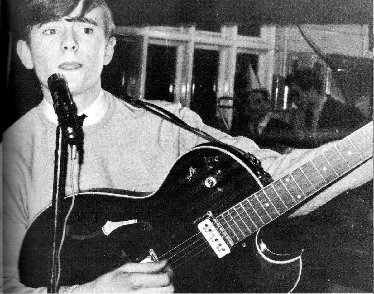 A young Francis Rossi on stage