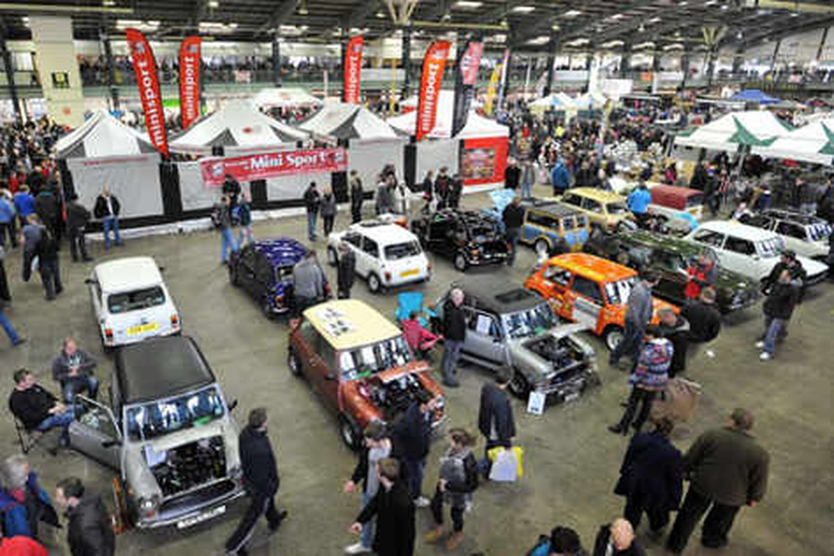 Mini enthusiasts flock to big show