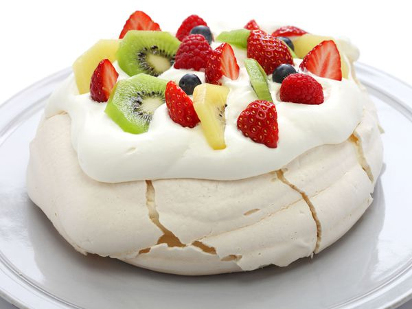 A generic photo of homemade pavlova, meringue cake. See PA Feature CHRISTMAS Food Swaps . Picture credit should read: PA Photo/thinkstockphotos. WARNING: This picture must only be used to accompany PA Feature CHRISTMAS Food Swaps
