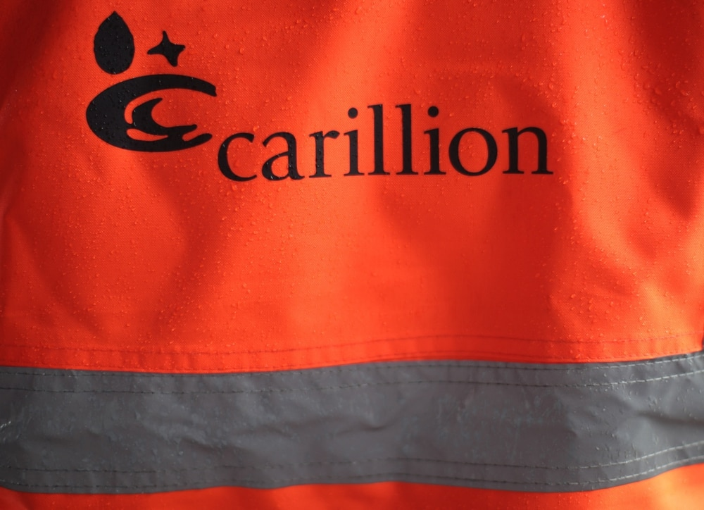 Carillion investors 'fled for the hills' before collapse, MPs say