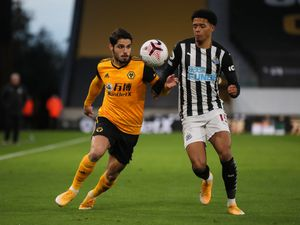 Pedro Neto of Wolverhampton Wanderers and Jamal Lewis of Newcastle United (AMA)