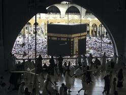Saudi Arabia unveils health measures that will allow pilgrims to visit Mecca