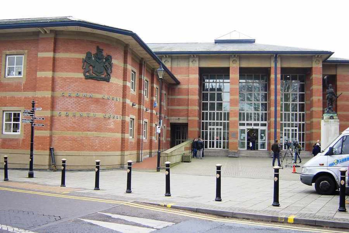 Man fractured brother's jaw in Cannock street fight