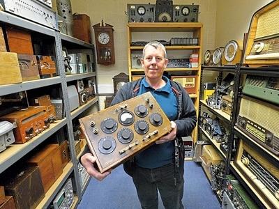 Aladdin's Cave of gadgets: Man creates amazing Nixie tube clocks