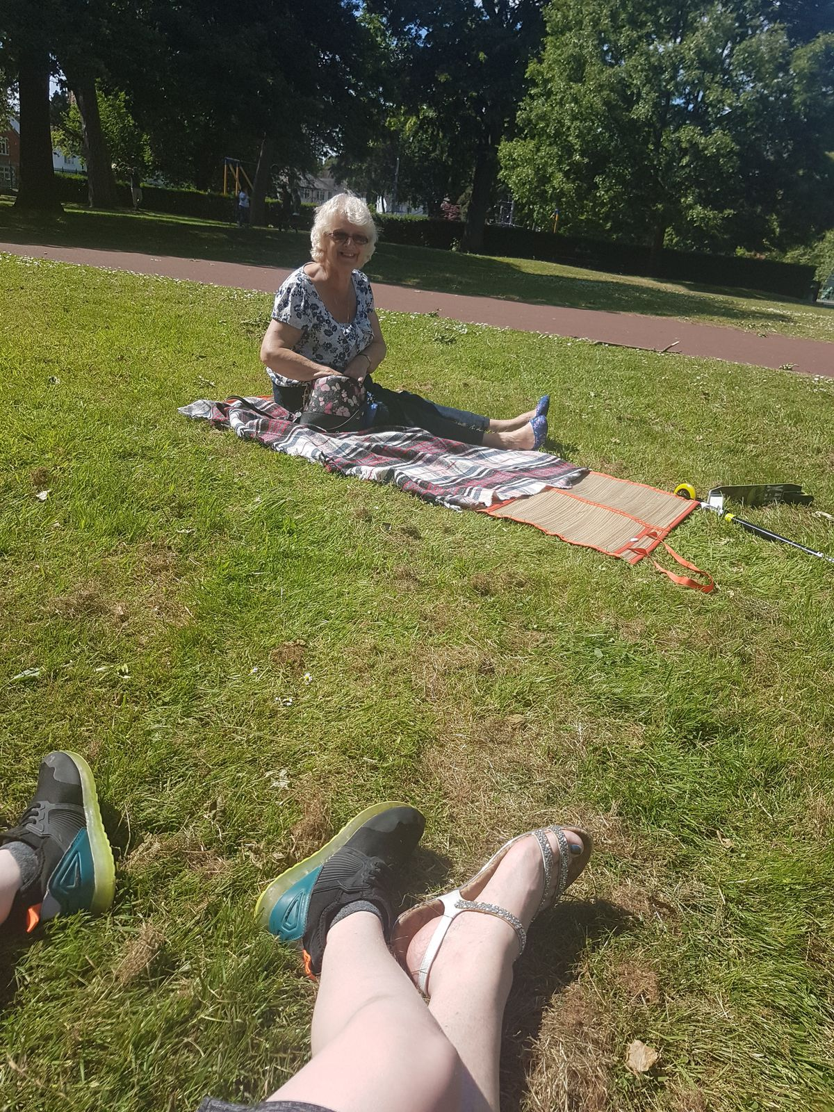 Donna Bloomer met her mother Sue Keane for a catch up in West Park, Wolverhampton
