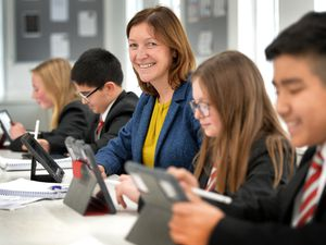 WOLVERHAMPTON  COPYRIGHT TIM STURGESS Express & Star ......... 14/01/20 Wolverhampton Grammar School headteacher Kathy Crewe-Read who has replaced exercise books with iPads and is encouraging other schools to go paperless..