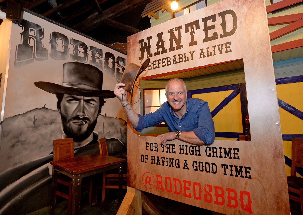 Wolves legend Steve Bull takes a look around new cowboy themed bar Rodeos