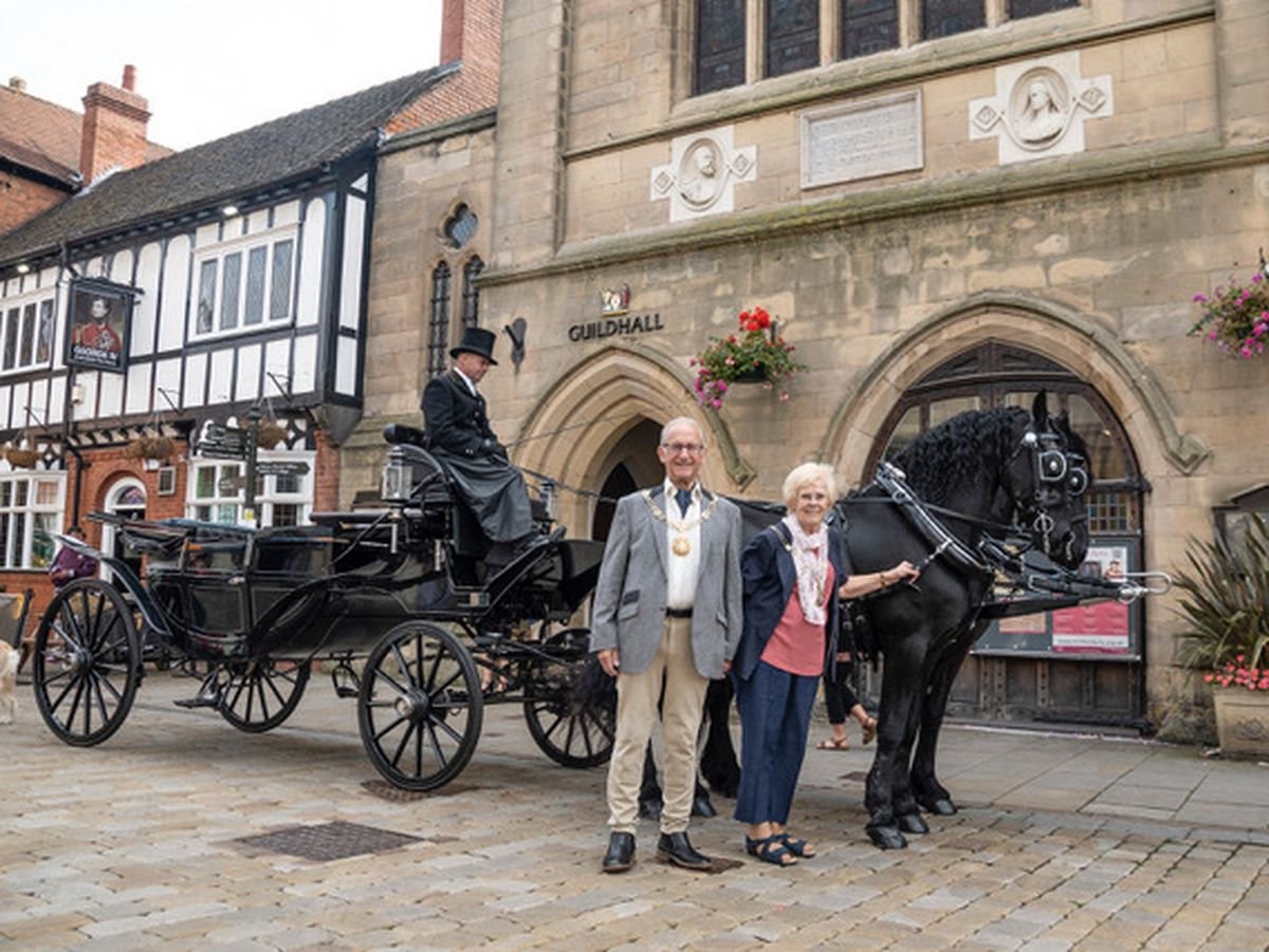 The Sheriff of Lichfield Peter Hitchman and Sheriff's Lady Pat Peters prepare to embark on the Sheriff's Ride.