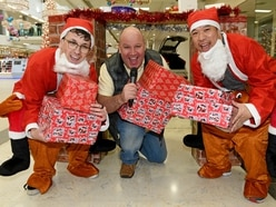 On your marks! Last-minute shopping dash in Wolverhampton - with video