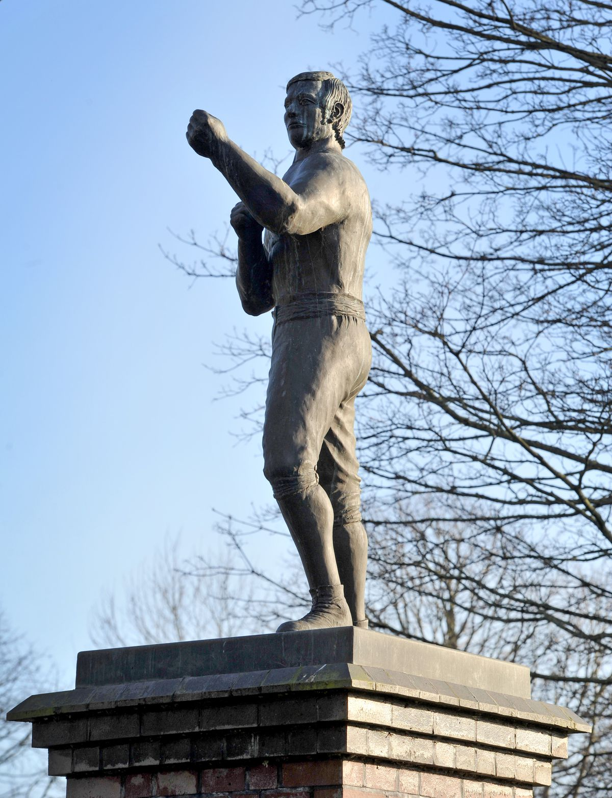 A statue of Tipton Slasher William Perry in Coronation Gardens