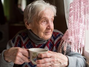 Many elderly people are forced to choose between heating and eating, says the Community Foundation