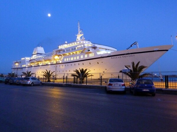 Travel review: Cathedrals and vineyards from Seville to Bordeaux, Voyages to Antiquity Cruises