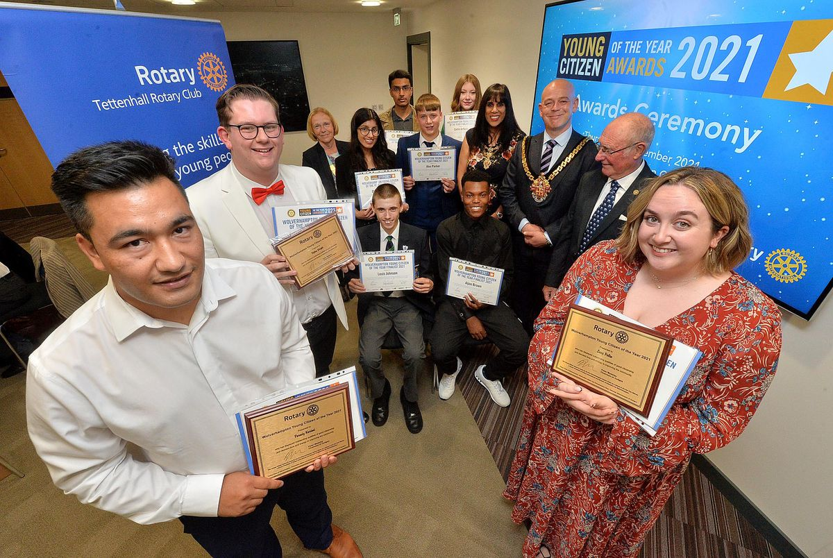 Young Citizen Awards. At the front are winners: Parwiz Karimi, Dylan Wright and Lucy Palin. Sitting is Louis Johnson and Aijon Brown; back L-R: Rotarian Robyn Davies, Dhavina Chadha, Syed Naqvi, Alex Parker, Caitlin Jefferis, with Mayoress and Mayor: Sureena  and Greg Brackenridge and Rotarian Roger Timbrell