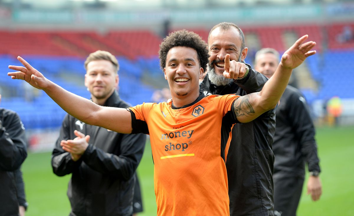 Helder Costa and manager Nuno celebrate