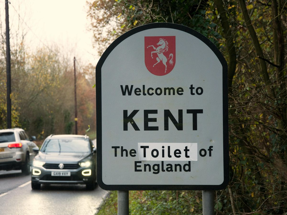 Road signs on the boundaries of Kent have been altered in protest
