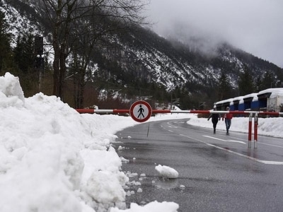 Helicopters evacuate hotel guests following avalanche as heavy snow cloaks Alps