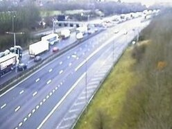 Crashes cause long delays on M6