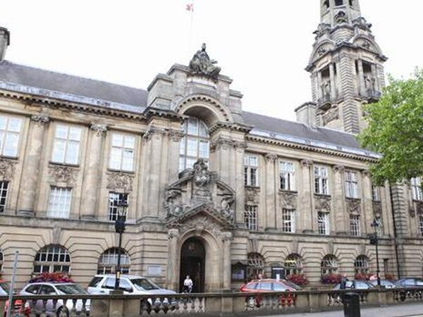 Walsall Town Hall restaurant to close