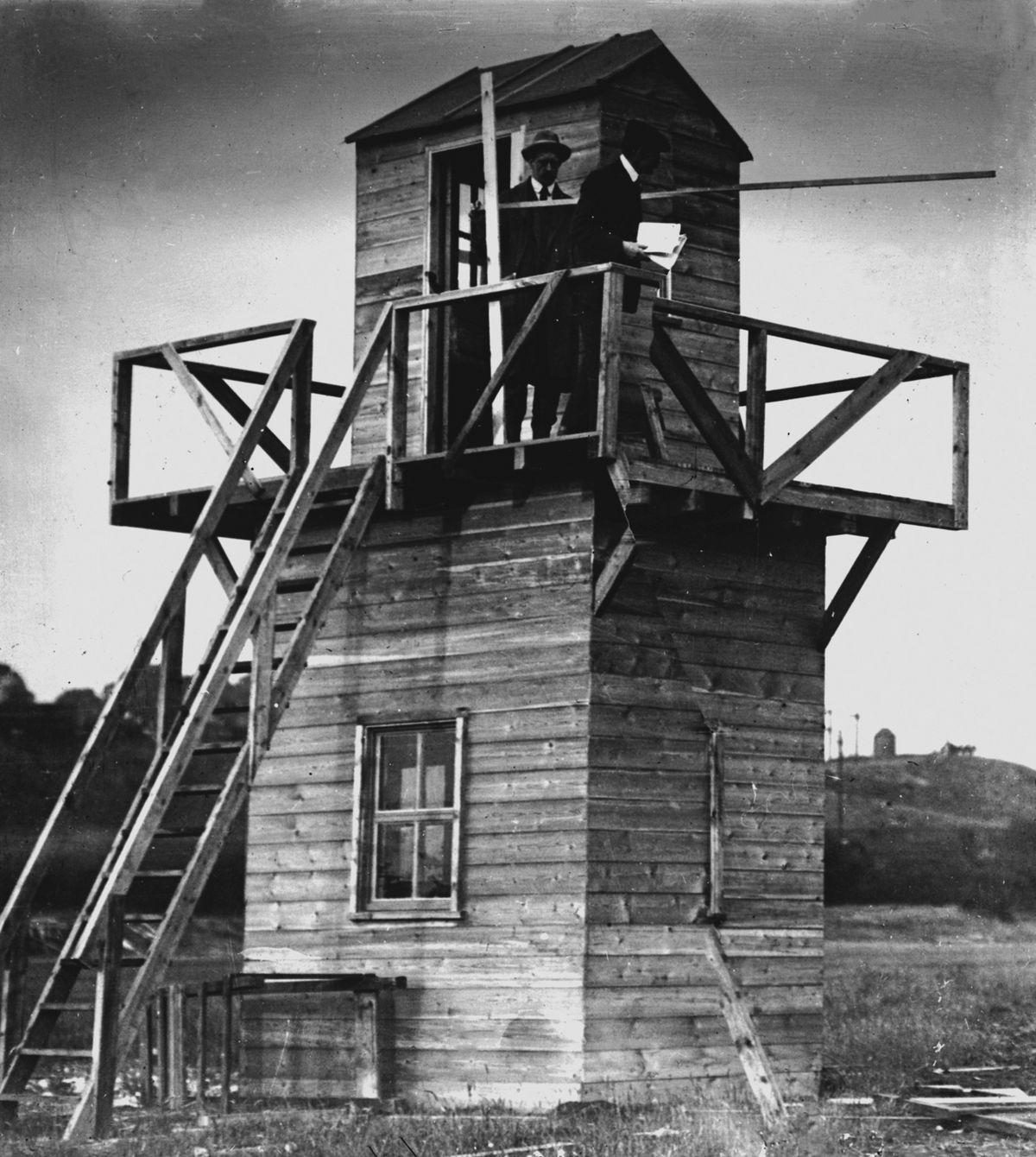 The wooden control tower at Dunstall Park erected for the flying meeting in 1910.