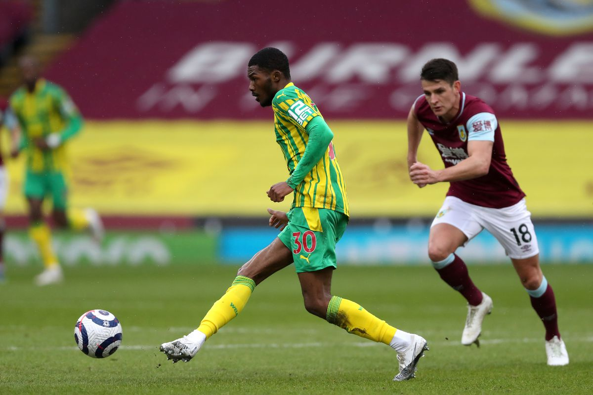 Ainsley Maitland-Niles of West Bromwich Albion and Ashley Westwood of Burnley. (AMA)