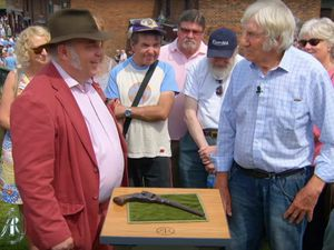 TV antiques expert Bill Harriman estimated the 'iconic' Colt 37 revolver to now be worth around £150,000