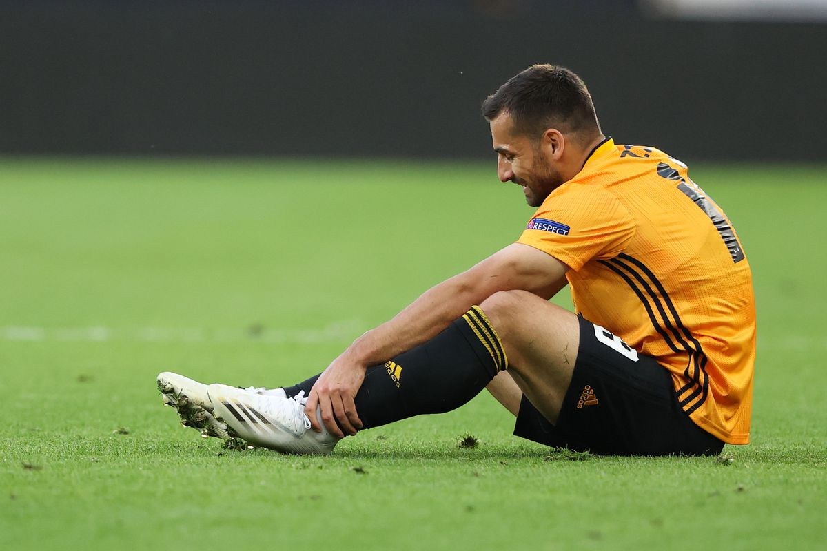 Wolves' Jonny Castro Otto on the mend after knee operation | Express & Star
