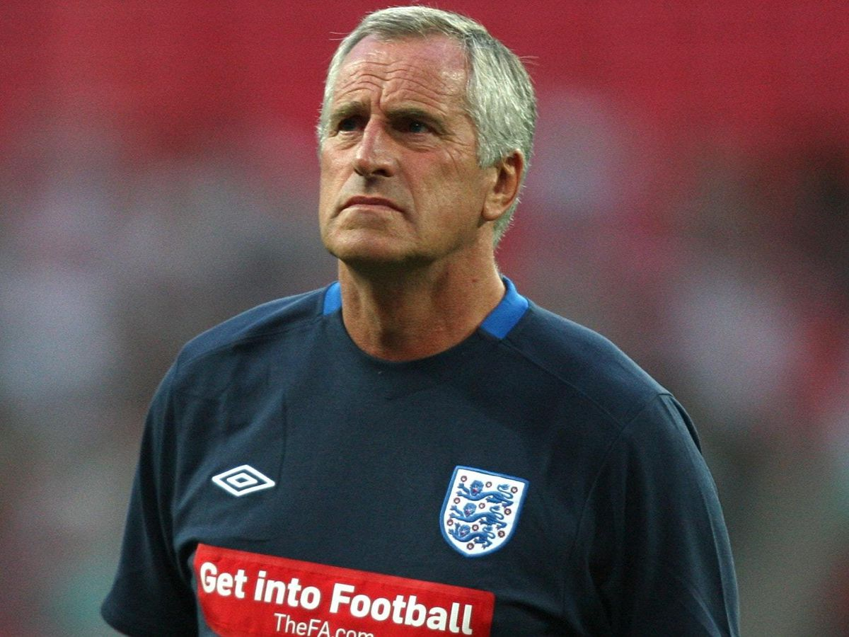Ray Clemence: From deckchair attendant to Liverpool's greatest goalkeeper |  Express & Star