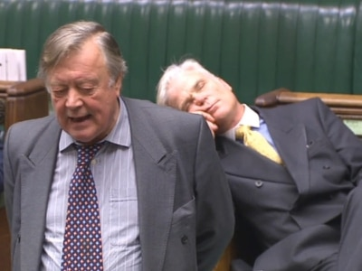 Tory appears to fall asleep as Ken Clarke talks about Brexit