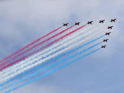 Poor weather on VJ Day sees Red Arrows' flypast cancelled in major cities