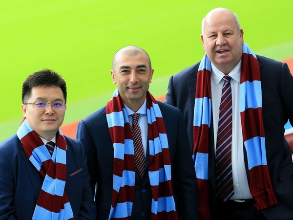 Former chief executive Keith Wyness launches legal action against Aston Villa