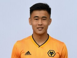Wolves sign Hong Kong midfielder Tsun Dai from Oxford United