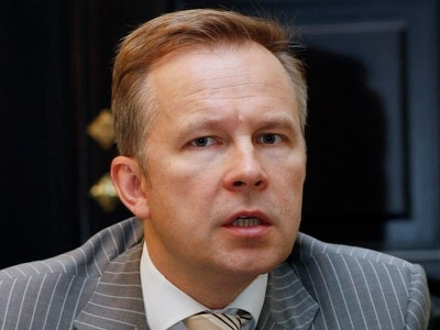 Latvian central bank chief rejects bribery claims after release on bail
