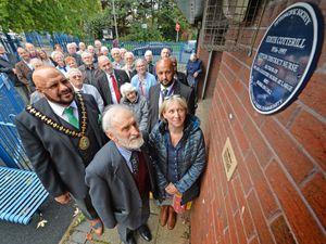 Mayor, Mushtaq Hussain, Ivan Warren and his daughter Julia Warren-Kyle at the plaque unveiling