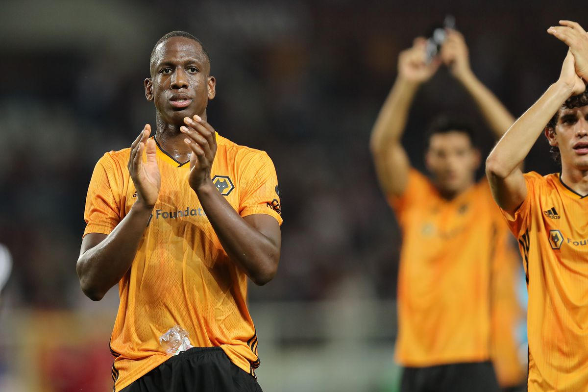 Willy Boly of Wolverhampton Wanderers celebrates the 2-3 first leg victory at the final whistle (AMA)