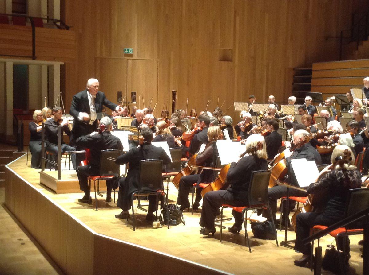 Michael Lloyd conducts the Birmingham Philharmonic Orchestra