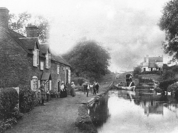 A view of Botterham Lock in about 1900