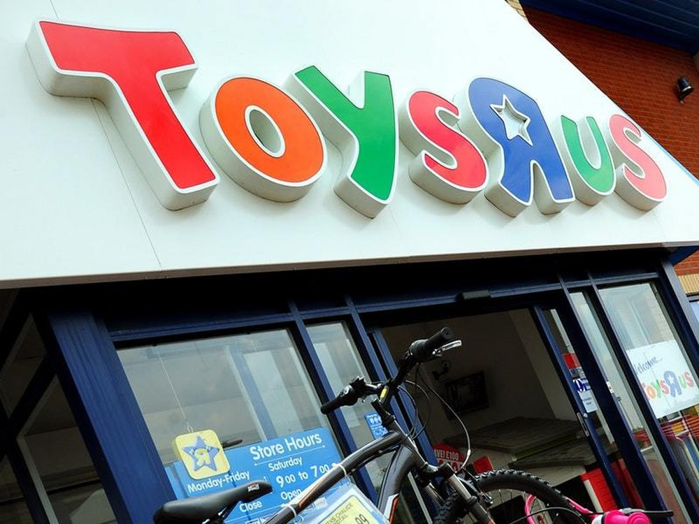 Thousands of United Kingdom  jobs at risk as Toys R Us nears administration