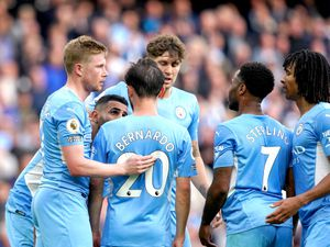 Manchester City's Kevin De Bruyne, left, celebrates with his team-mates