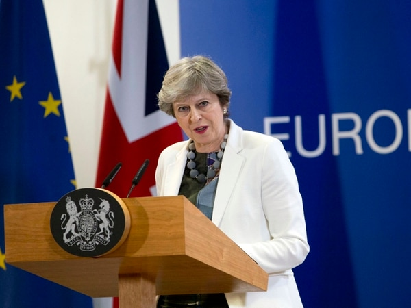 UK to fight for every penny over Brexit divorce bill